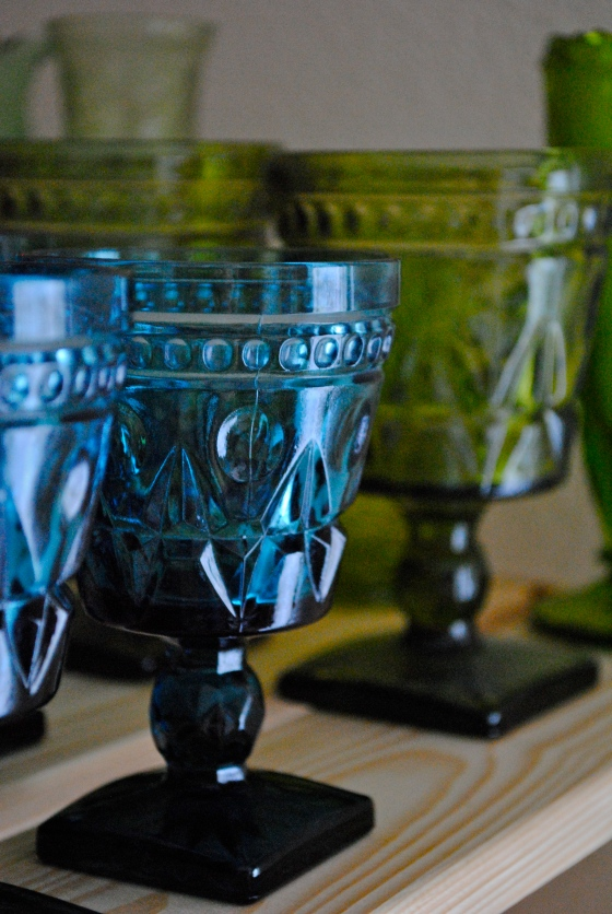vintage wedding, Orlando, antiques, blue, green, glass goblets