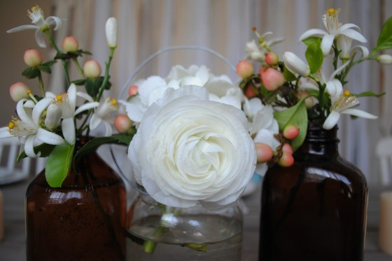 vintage, rustic wedding flowers, amber glass, orange blossoms, hypericum berries, ranunculus, hydrangea