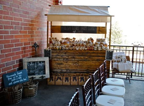 rustic wedding, farm stand, mason jars, favors